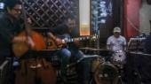 Alvaro Torres con su grupo de jazz en Praga